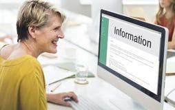 Begrepp för internet för Website för informationsdatamanöverenhet Arkivbild