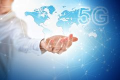 begrepp för internet för 5G K mobilt trådlöst Översikt från händer serie för internet för hand för bäst jordklot för affärsidébeg royaltyfria foton