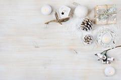 Begrepp för jultidgarnering Bakgrund för vinterferier arkivfoto