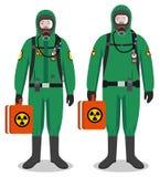 Begrepp för kemisk bransch Koppla ihop av arbetare man och kvinna i gröna skyddande dräkter som tillsammans står på vit bakgrund  stock illustrationer