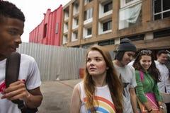 Begrepp för kultur för ungdom för aktivitet för folkkamratskapsamhörighetskänsla arkivbilder