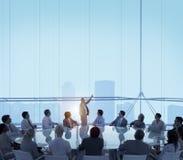 Begrepp för ledarskap för mötesrumaffärsmöte royaltyfri bild