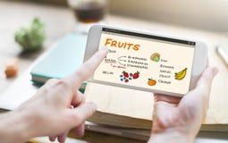 Begrepp för lista för shopping för fruktbär sunt royaltyfri bild