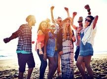 Begrepp för lycka för parti för tonåringvänstrand royaltyfria bilder