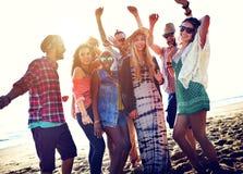 Begrepp för lycka för parti för tonåringvänstrand arkivbilder