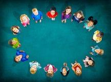 Begrepp för mångfald för barndom för barnungar gladlynt Arkivfoton