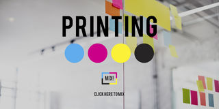 Begrepp för massmedia för bransch för färg för färgpulver för offset för printingprocess royaltyfri foto