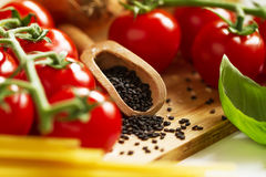 Begrepp för mat för kökbakgrundsmatlagning Closeup av att laga mat Proc fotografering för bildbyråer