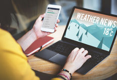 Begrepp för meteorologi för nyheterna för prognos för väderuppdateringtemperatur Royaltyfria Bilder
