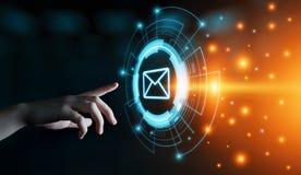 Begrepp för nätverk för teknologi för internet för affär för pratstund för kommunikation för meddelandeEmailpost online- arkivfoto