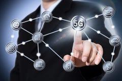 begrepp för nätverkande för rengöringsduk för IT för affär för telekommunikation för integration för iot 5G mobilt Royaltyfri Foto