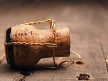 Begrepp för nytt år med en flaskkork Fotografering för Bildbyråer