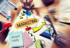 Begrepp för planläggning för anteckningsbokmarknadsföringsstrategi Arkivbilder
