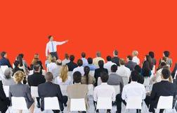 Begrepp för presentation för möte för konferens för seminarium för affärsfolk royaltyfri bild