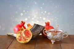 Begrepp för Rosh hashanah (ferie för nytt år för jewesh) Traditionell sym arkivbild