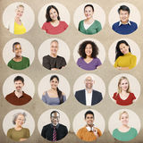 Begrepp för samling för olikt gruppfolk multietniskt fotografering för bildbyråer