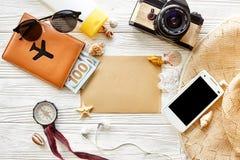 Begrepp för sommarloppreslust, utrymme för text, lekmanna- lägenhet Empt Fotografering för Bildbyråer