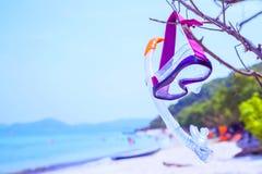 Begrepp för sommarsemester som snorklar på stranden Arkivfoton