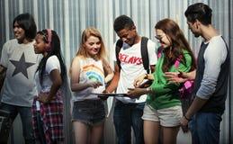 Begrepp för stil för ungdom för kultur för tonåringlivsstil tillfälligt royaltyfri fotografi