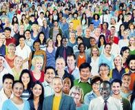 Begrepp för stor grupp människor för mångfald multietniskt arkivfoton