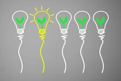 Begrepp för stor idé och innovation, med den gröna växten i ljus bul stock illustrationer