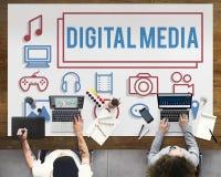 Begrepp för symboler för nätverk för Digital massmedia socialt Arkivbild