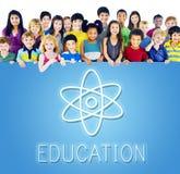 Begrepp för symboler för utbildningsvetenskapsfysik grafiskt Arkivfoto