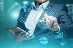 Begrepp för teknologi för affär för internet för investering för finans för plan för riskledningstrategi Arkivfoto