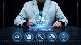 Begrepp för teknologi för affär för internet för marknadsföring för målåhörare arkivbilder