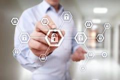 Begrepp för teknologi för internet för skydd för data för avskildhet för information om Cybersäkerhet arkivbild