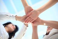 Begrepp för union för teamwork för samarbete för affärsfolk arkivbild