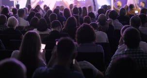 Begrepp för utbildning för kontor för möte för konferens för seminarium för affärsfolk lager videofilmer