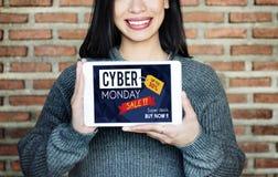 Begrepp för utförsäljning för Cybermåndag Sale rabatt Royaltyfria Bilder