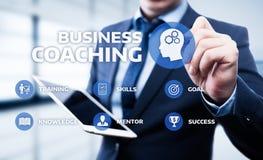 Begrepp för utveckling för utbildning för affär för coachningMentoringutbildning E-lärande royaltyfri fotografi