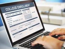 Begrepp för akademiker för högskolainskrivningstudie Arkivfoton