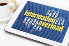 Begrepp för informationsöverbelastning Arkivbilder