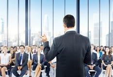 Begrepp för kontor för möte för konferens för seminarium för affärsfolk Royaltyfria Foton