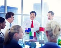 Begrepp för möte för global affär för grupp människor Royaltyfria Bilder