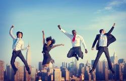 Begrepp för stad för prestation för framgång för affärsfolk Arkivbild