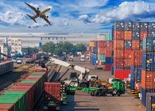 Begrepp, nivå, lastbil och drev för affärslogistik för logistiskt arkivfoton