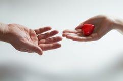 begrepp som ger hjärtaförälskelse Arkivbild