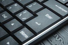 Begreppet av den mörka internet Tangentbordet knäppas närbild Royaltyfria Foton