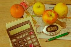 begreppet bantar Låg-kalori grönsaker bantar Banta för viktförlust Royaltyfria Foton
