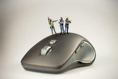Begreppet för datorsäkerhet, flugsmällalag bevakar en dator Royaltyfri Fotografi