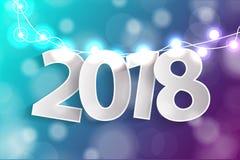 Begreppet 2018 för det nya året med papper cuted vita nummer på realistiska garneringar för julljus på cyan och purpurfärgad bakg Royaltyfria Foton