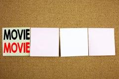 Begreppsmässig affärsidé för film för visning för inspiration för överskrift för handhandstiltext för underhållningfilmfilm på de arkivfoto