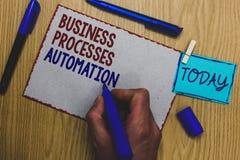 Begreppsmässig automation för processar för affär för handhandstilvisning Affärsfototext som utförs för att uppnå den digitala om Arkivfoto
