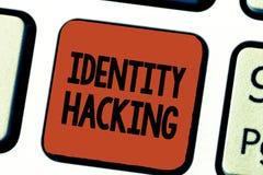 Begreppsmässig dataintrång för identitet för handhandstilvisning Affärsfoto som ställer ut brottslingen som stjäler din personlig arkivfoto
