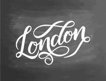 Begreppsmässig hand dragit uttryck London på den svart tavlan Hand dragit diagram Märka designen för affischer, t-skjortor, kort Fotografering för Bildbyråer