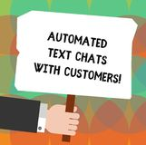 Begreppsmässig handhandstil som visar automatiserade textpratstunder med kunder Affärsfoto som ställer ut konstgjord intelligens royaltyfri illustrationer